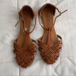 tan dress sandals